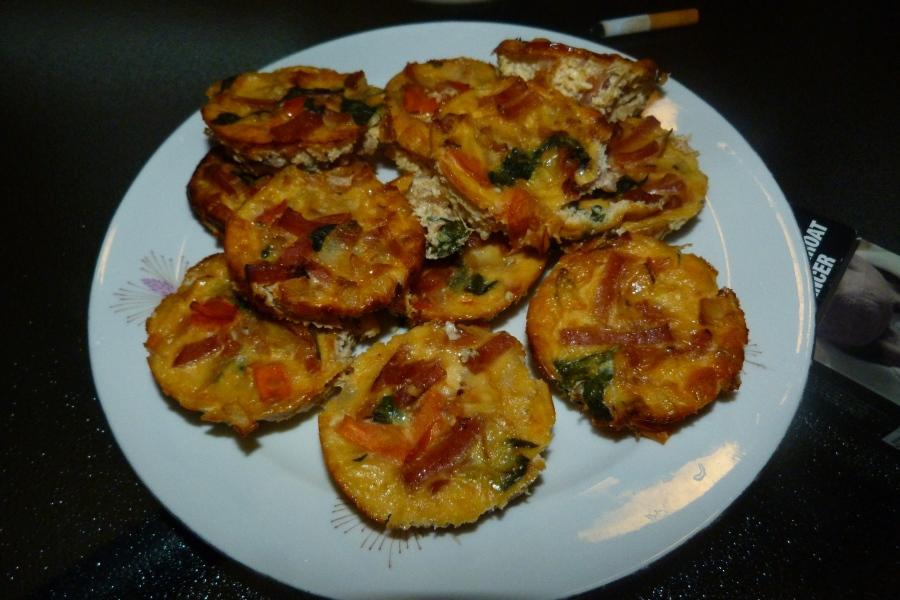 Mini-quiches aux légumes, au bacon et à lamimolette