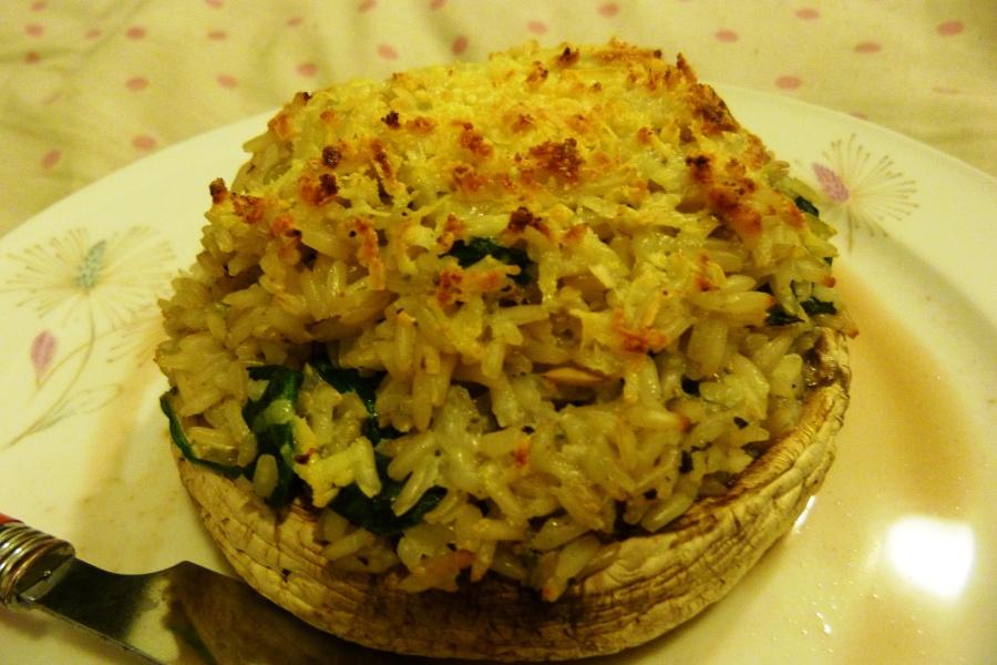 Champignons farcis au riz, bleu etépinards