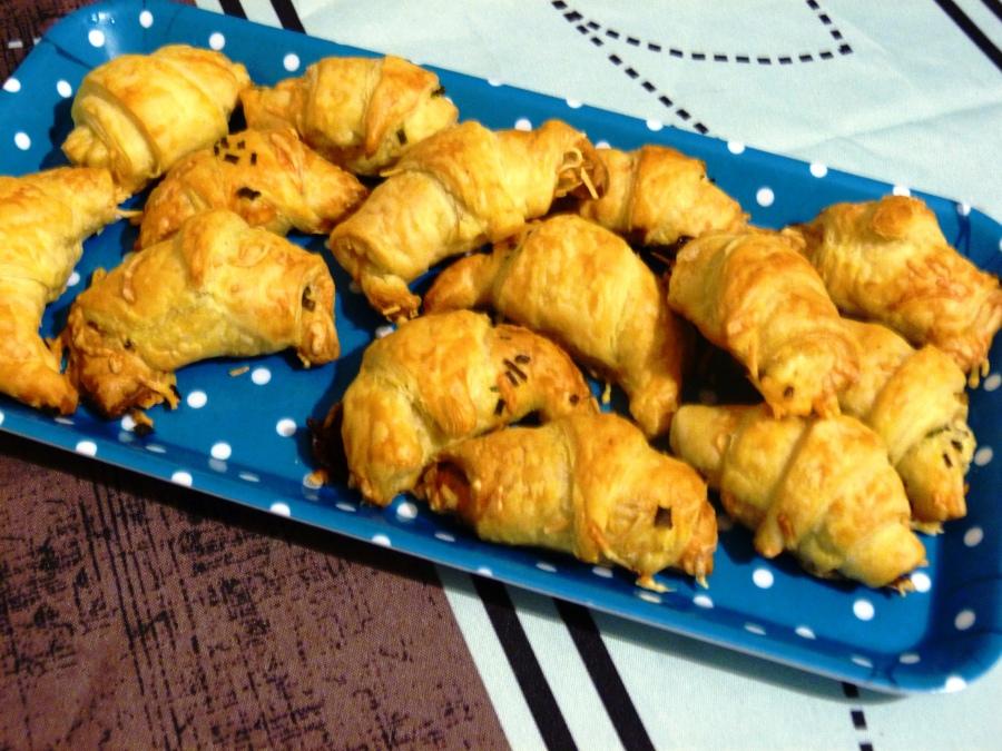 Croissants apéritifs aux lardons et augruyère