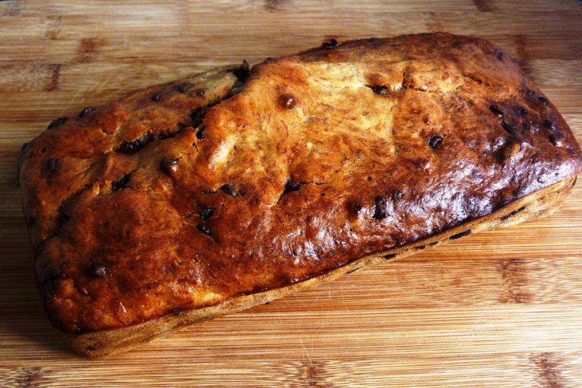 Banana bread aux amandes et pépites de chocolat
