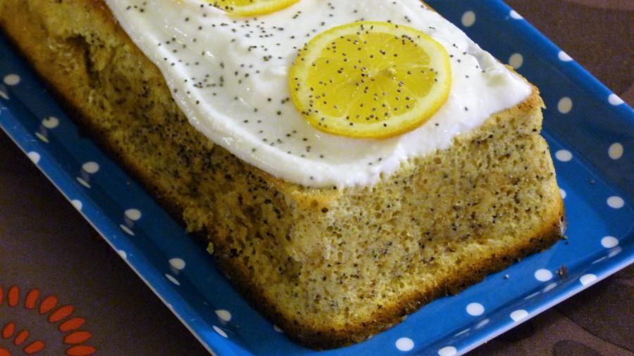 Cake citron-pavot et son glaçage au fromagefrais