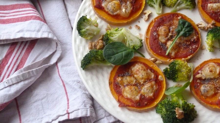 Pizzetas de butternut au gouda, brocolis auxnoix