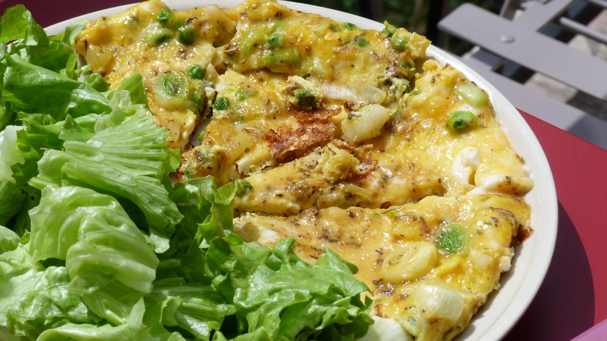 Omelette aux poireaux, sauge et cantal