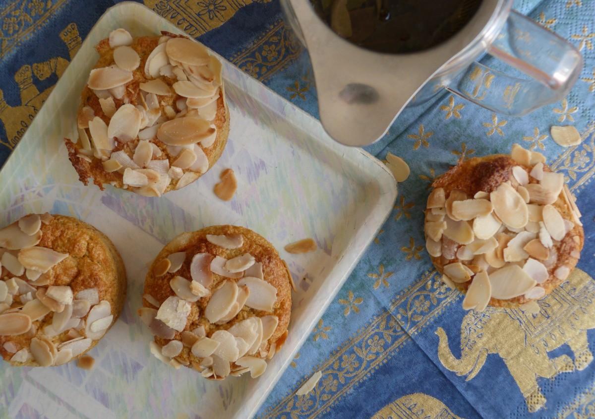 Muffins aériens aux amandes toastées et à la fève tonka